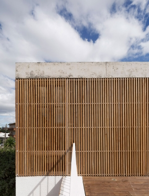 http://federicocairoli.com/files/gimgs/th-152_41_Casa-Plaza---©-Federico-Cairoli-(low).jpg