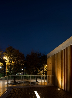 http://federicocairoli.com/files/gimgs/th-152_51_Casa-Plaza---©-Federico-Cairoli-(low).jpg