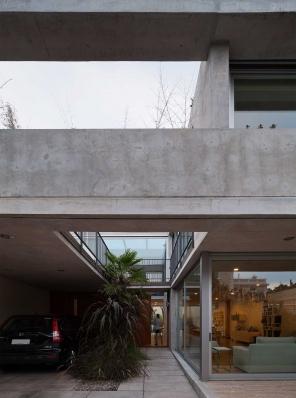 http://federicocairoli.com/files/gimgs/th-108_24_Casa en Calle Libertad - © Federico Cairoli (low).jpg