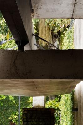 http://federicocairoli.com/files/gimgs/th-128_06_Quincho---©-Federico-Cairoli-(low).jpg