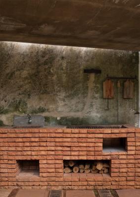 http://federicocairoli.com/files/gimgs/th-128_14_Quincho---©-Federico-Cairoli-(low).jpg