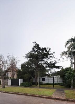 http://federicocairoli.com/files/gimgs/th-130_02_Casa-HQ---©-Federico-Cairoli-(low).jpg
