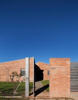 http://federicocairoli.com/files/gimgs/th-133_02_Casa-B+R---©-Federico-Cairoli-(low).jpg