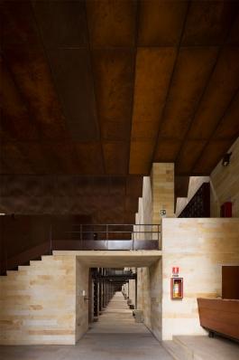 http://federicocairoli.com/files/gimgs/th-142_03_Templo-de-las-Cenizas-y-Crematorio---©-Federico-Cairoli-(low).jpg