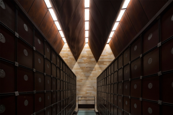 http://federicocairoli.com/files/gimgs/th-142_14_Templo-de-las-Cenizas-y-Crematorio---©-Federico-Cairoli-(low).jpg