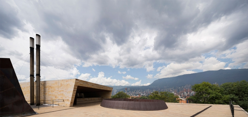 http://federicocairoli.com/files/gimgs/th-142_26_Templo-de-las-Cenizas-y-Crematorio---©-Federico-Cairoli-(low).jpg