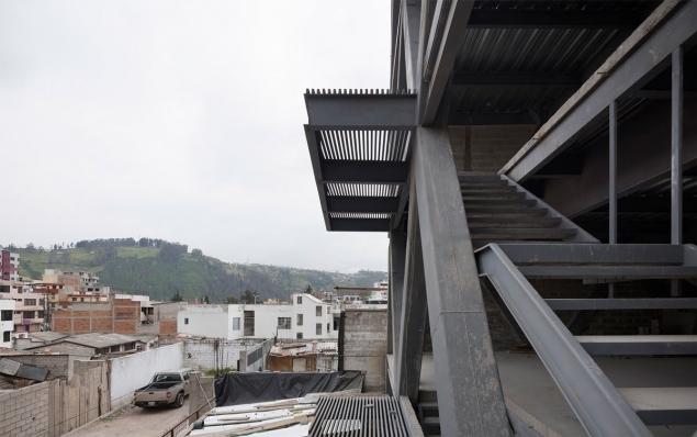 http://federicocairoli.com/files/gimgs/th-145_09_Edificio-Melies---©-Federico-Cairoli-(low).jpg