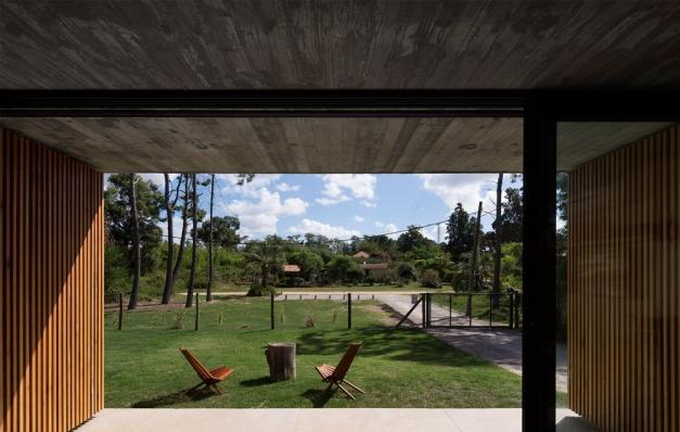 http://federicocairoli.com/files/gimgs/th-153_18_Casa-Marindia---©-Federico-Cairoli-(low).jpg