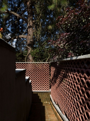 http://federicocairoli.com/files/gimgs/th-155_05_Sauna-Sao-Roque---©-Federico-Cairoli-(low).jpg