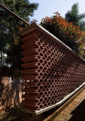 http://federicocairoli.com/files/gimgs/th-155_08_Sauna-Sao-Roque---©-Federico-Cairoli-(low).jpg