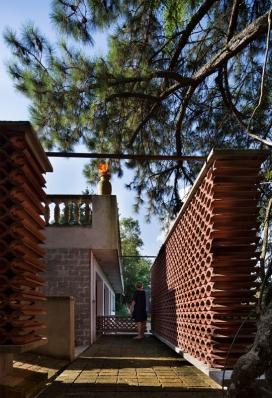 http://federicocairoli.com/files/gimgs/th-155_15_Sauna-Sao-Roque---©-Federico-Cairoli-(low).jpg