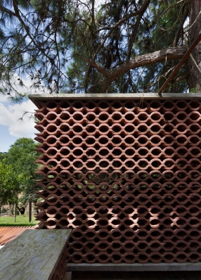 http://federicocairoli.com/files/gimgs/th-155_22_Sauna-Sao-Roque---©-Federico-Cairoli-(low).jpg