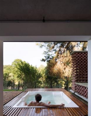 http://federicocairoli.com/files/gimgs/th-155_29_Sauna-Sao-Roque---©-Federico-Cairoli-(low).jpg