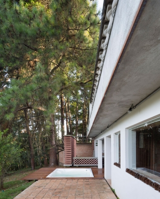 http://federicocairoli.com/files/gimgs/th-155_39_Sauna-Sao-Roque---©-Federico-Cairoli-(low).jpg