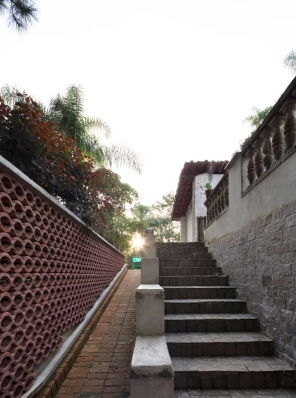 http://federicocairoli.com/files/gimgs/th-155_43_Sauna-Sao-Roque---©-Federico-Cairoli-(low).jpg