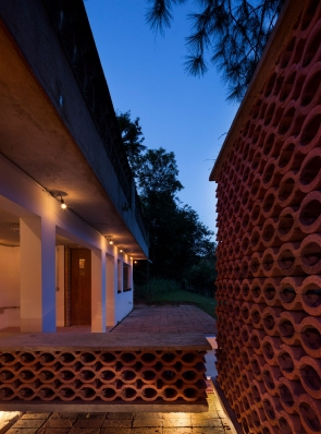 http://federicocairoli.com/files/gimgs/th-155_48_Sauna-Sao-Roque---©-Federico-Cairoli-(low).jpg