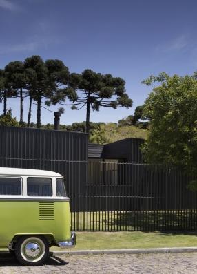 http://federicocairoli.com/files/gimgs/th-214_52_Casa de Lata - © Federico Cairoli (low).jpg