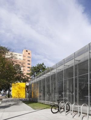 http://federicocairoli.com/files/gimgs/th-262_20_Biblioteca Monteiro Lobato - © Federico Cairoli (low).jpg