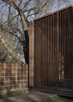 http://federicocairoli.com/files/gimgs/th-371_15_Casa VG_revisita - © Federico Cairoli (low).jpg