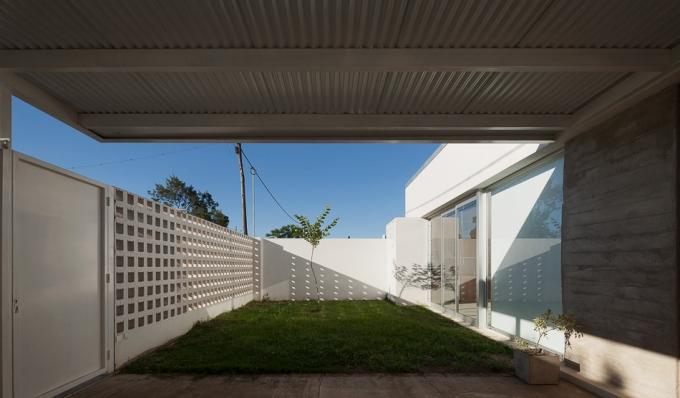 http://federicocairoli.com/files/gimgs/th-66_07_Casa Cozzi - © Federico Cairoli (low).jpg