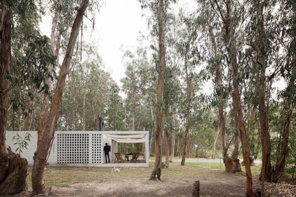 http://federicocairoli.com/files/gimgs/th-75_16_Casa de Bloques - © Federico Cairoli (low).jpg