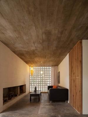 http://federicocairoli.com/files/gimgs/th-75_20_Casa de Bloques - © Federico Cairoli (low).jpg