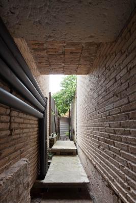http://federicocairoli.com/files/gimgs/th-76_04_Gabinete de Arquitectura - Ph_Federico Cairoli (low)_v2.jpg