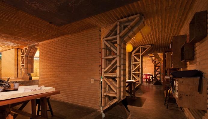 http://federicocairoli.com/files/gimgs/th-76_06_Gabinete de Arquitectura - Ph_Federico Cairoli (low)_v2.jpg