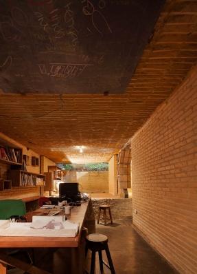 http://federicocairoli.com/files/gimgs/th-76_07_Gabinete de Arquitectura - Ph_Federico Cairoli (low)_v2.jpg