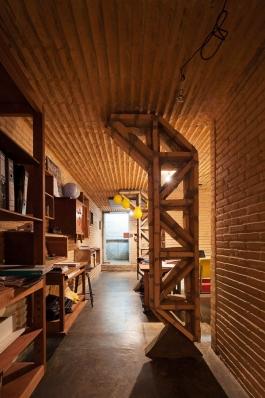 http://federicocairoli.com/files/gimgs/th-76_14_Gabinete de Arquitectura - Ph_Federico Cairoli (low)_v2.jpg