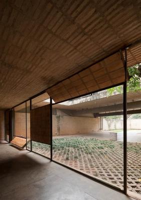http://federicocairoli.com/files/gimgs/th-85_20_Casa Fanego - © Federico Cairoli (low).jpg