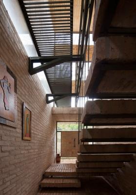 http://federicocairoli.com/files/gimgs/th-85_21_Casa Fanego - © Federico Cairoli (low).jpg
