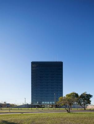 http://federicocairoli.com/files/gimgs/th-96_02_Hotel UNL - ATE - © Federico Cairoli (low).jpg