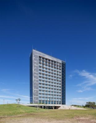 http://federicocairoli.com/files/gimgs/th-96_25_Hotel UNL - ATE - © Federico Cairoli (low).jpg