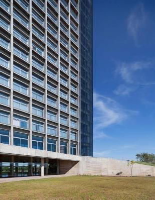 http://federicocairoli.com/files/gimgs/th-96_24_Hotel UNL - ATE - © Federico Cairoli (low).jpg