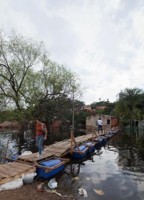 http://federicocairoli.com/files/gimgs/th-26_14_Puente Aqua Alta - Ph_Federico Cairoli (low).jpg