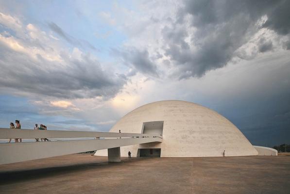http://federicocairoli.com/files/gimgs/th-10_Brasilia 2.jpg