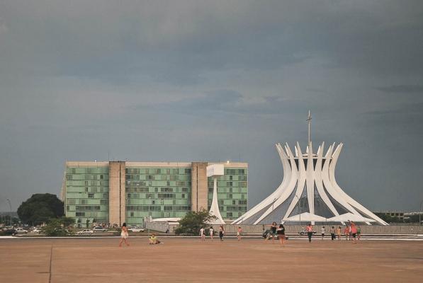 http://federicocairoli.com/files/gimgs/th-10_Brasilia 1.jpg