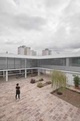 http://federicocairoli.com/files/gimgs/th-13_08_Colegio de  Médicos de Salta - Ph_Federico Cairoli (low).jpg