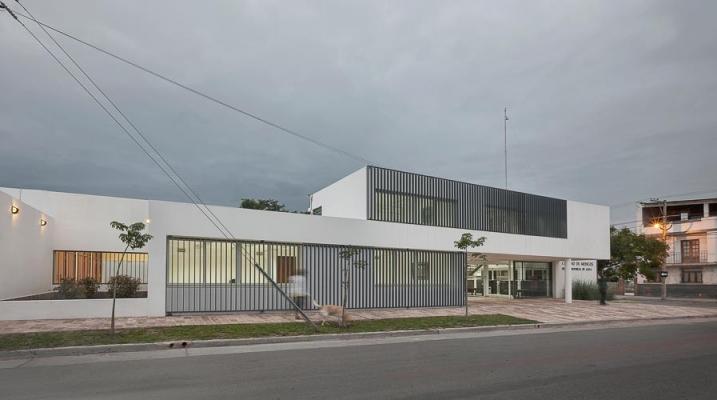 http://federicocairoli.com/files/gimgs/th-13_23_Colegio de  Médicos de Salta - Ph_Federico Cairoli (low).jpg