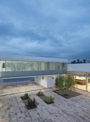http://federicocairoli.com/files/gimgs/th-13_27_Colegio de  Médicos de Salta - Ph_Federico Cairoli (low).jpg