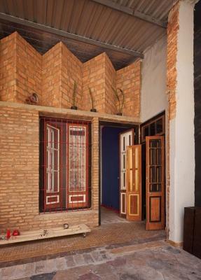 http://federicocairoli.com/files/gimgs/th-22_15_Casa Ilona - Ph_Federico Cairoli (low).jpg