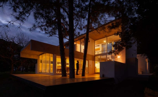 http://federicocairoli.com/files/gimgs/th-51_29_Casa Lottersberger - Ph_Federico Cairoli (low).jpg