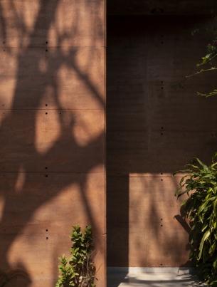 http://federicocairoli.com/files/gimgs/th-256_08_Caja de Tierra - © Federico Cairoli (low).jpg