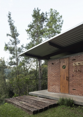 http://federicocairoli.com/files/gimgs/th-314_09_Pavilhao Videiras - © Federico Cairoli (low).jpg