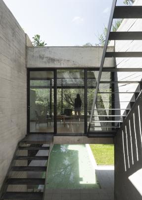 http://federicocairoli.com/files/gimgs/th-384_42_Casa ATO_IR - © Federico Cairoli (low).jpg