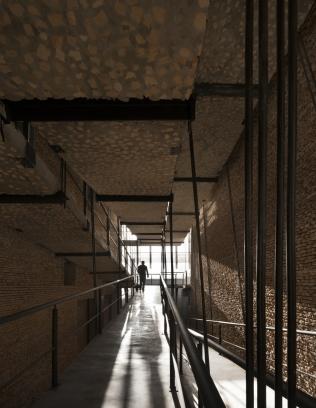 http://federicocairoli.com/files/gimgs/th-242_28_Gran Logia Simbolica - © Federico Cairoli (low).jpg
