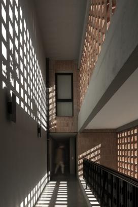 http://federicocairoli.com/files/gimgs/th-306_18_Edificio Olaguer - © Federico Cairoli (low).jpg