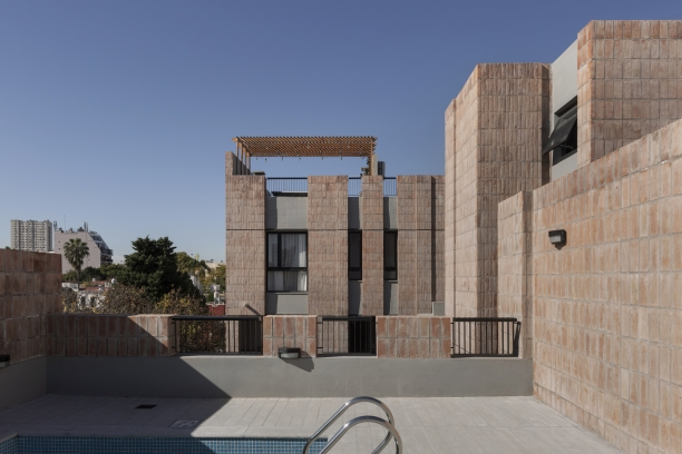 http://federicocairoli.com/files/gimgs/th-306_32_Edificio Olaguer - © Federico Cairoli (low).jpg