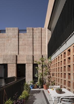 http://federicocairoli.com/files/gimgs/th-306_40_Edificio Olaguer - © Federico Cairoli (low).jpg